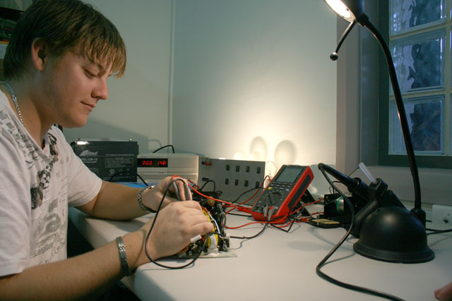 Andrew at 8ZED testing an inverter